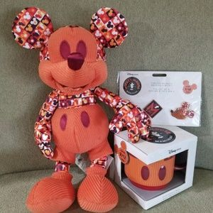 🎄MICKEY MOUSE MEMORIES SOLD OUT 9/12 JULY 🎁NWT